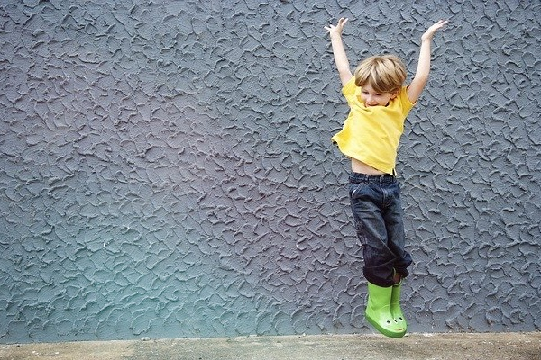 Essere ottimisti migliora il benessere finanziario?